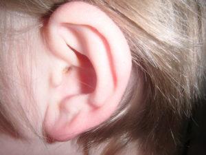 Zalehlé ucho z vody